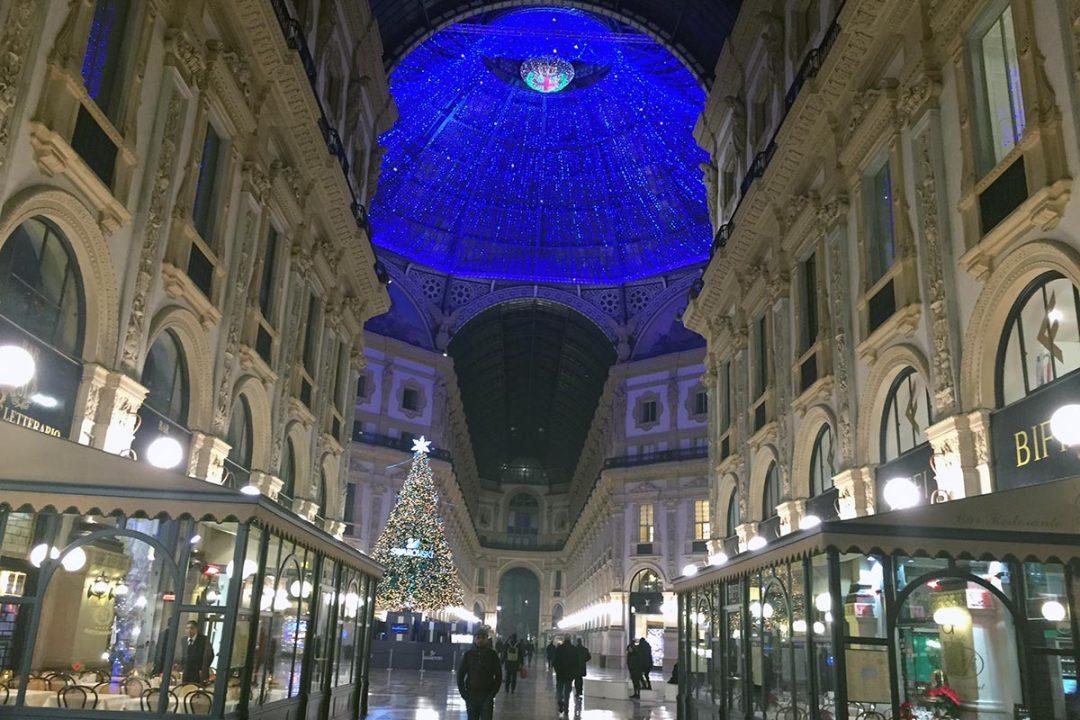 milano-galleria-vittorio-emanuele-natale-negozi