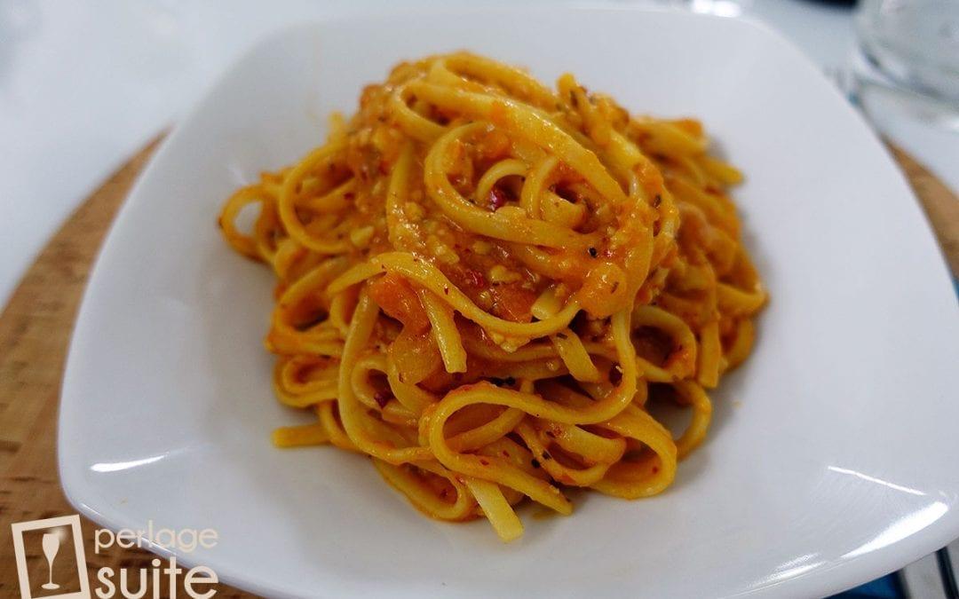 Risottare la pasta: ricetta golosa per le linguine al pesce persico e 'nduja