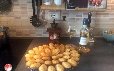 Madeleine arancia, amaretti e vino passito: ricetta e abbinamento